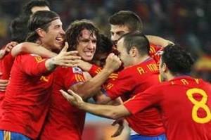 喜ぶスペイン