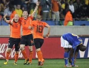 喜ぶオランダ